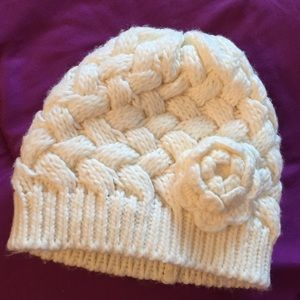 🌀NWOT Girl's knit winter tuque